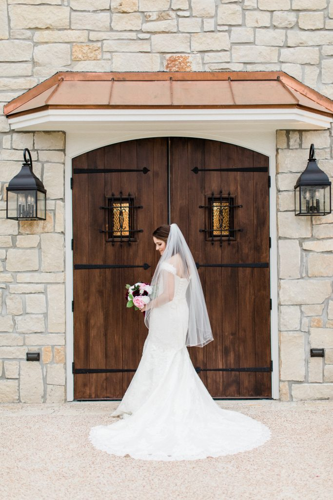 bridal images door tara barnes photography stonehem hall college station