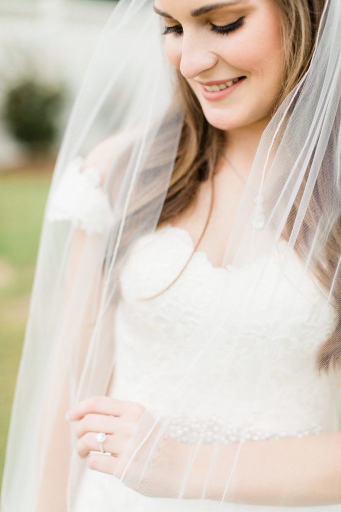 bridal wedding portrait veil tara barnes photography college station stonehem hall
