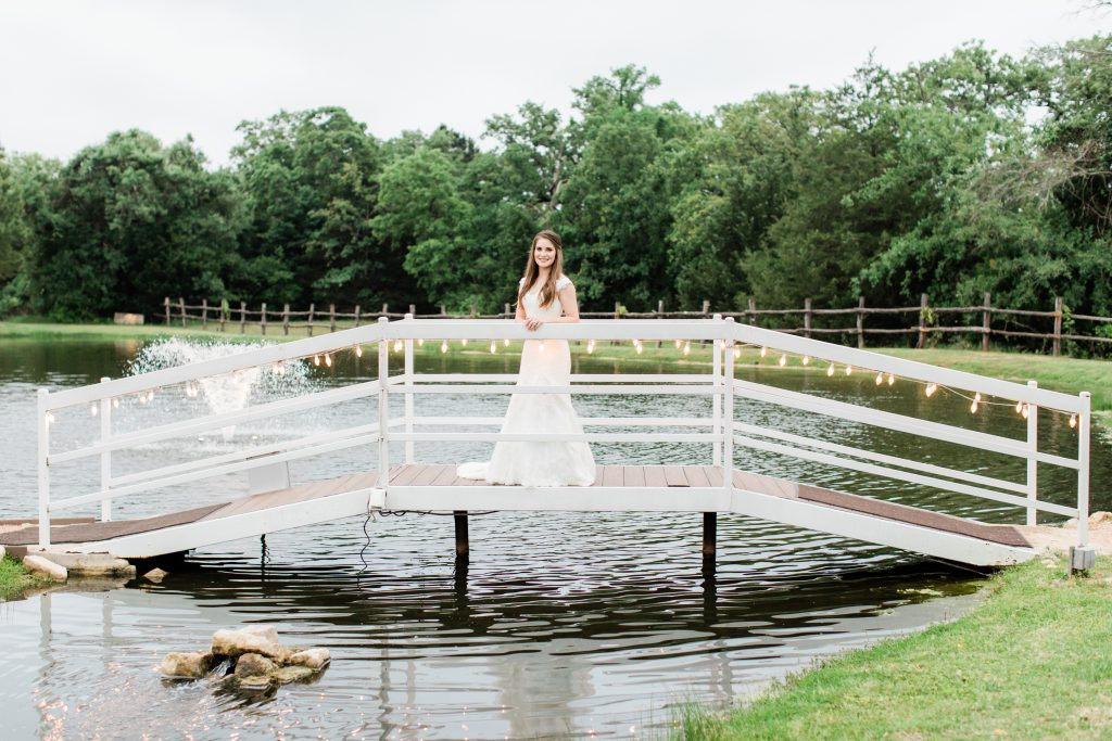 bridal portrait inspiration tara barnes photography inn at quarry ridge college station